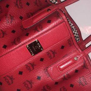 MCM Visetos Reversible Medium Tote (Red)
